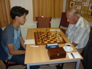 Adrian (links) pakte een mooi punt